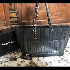 Authentic CHANEL Rare leather chain large tote bag